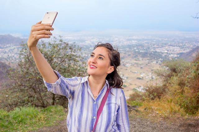 Selfies mladé dívky